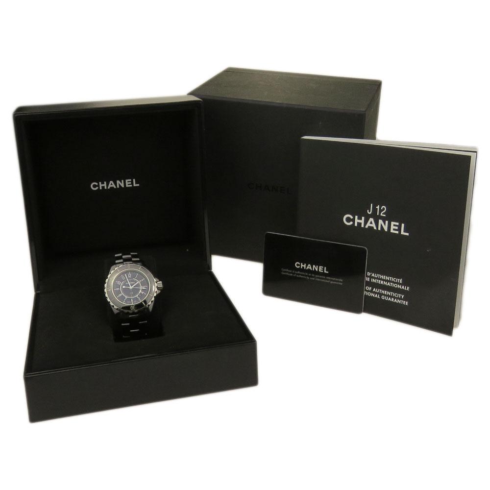 Chanel J12 33mm Ceramic Quartz H0682