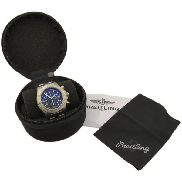 Breitling Chrono Avenger Titanium Quartz E13360