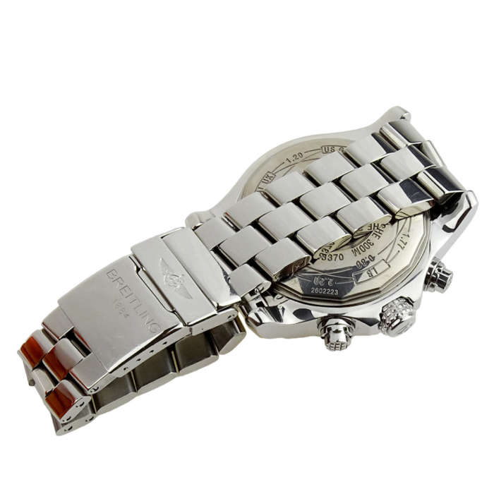 Breitling Super Avenger A13370